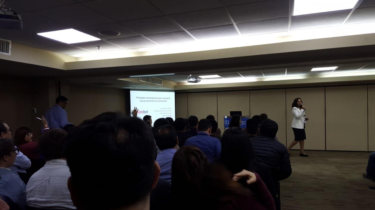 """Sala llena en nuestra charla """"Recomendaciones para aumentar la tasa de conversión en tu ecommerce"""""""